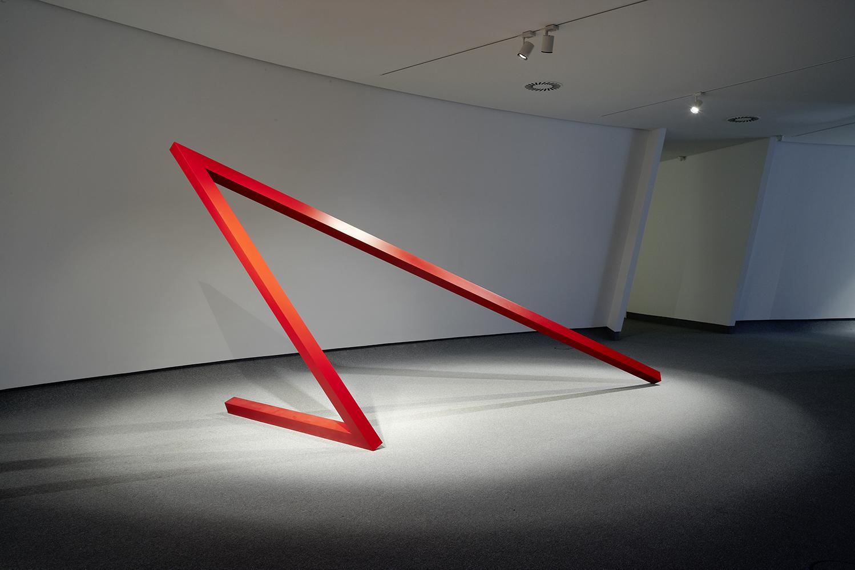 <strong>Herminio</strong> N 39 (2012) Aluminio Lacado, 250 x 600 x 200 cm